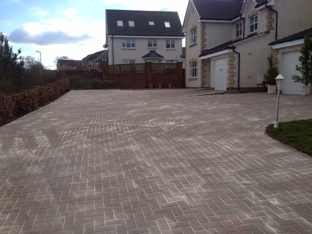 hamilton driveway cleaning